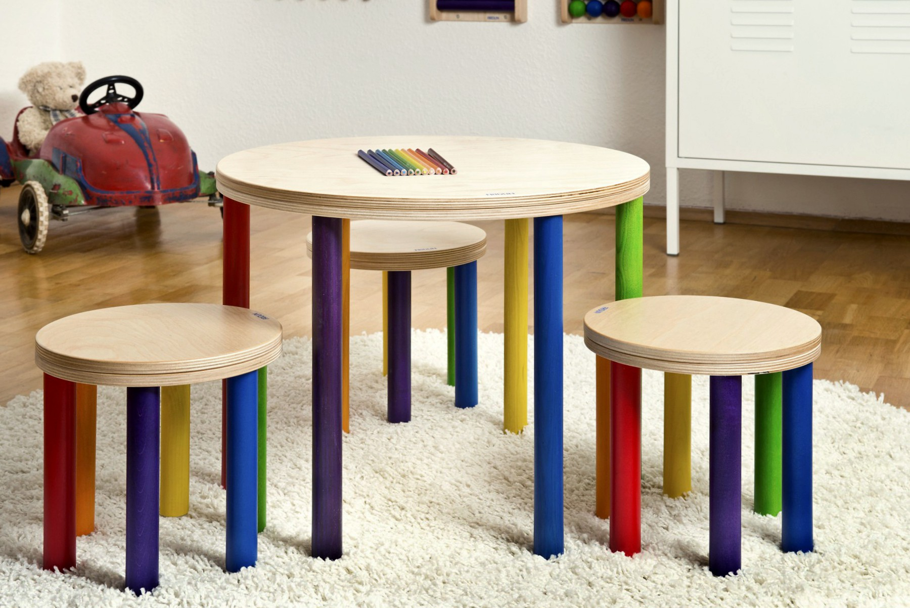 Set Tisch & 3 Hocker FRIDLIN
